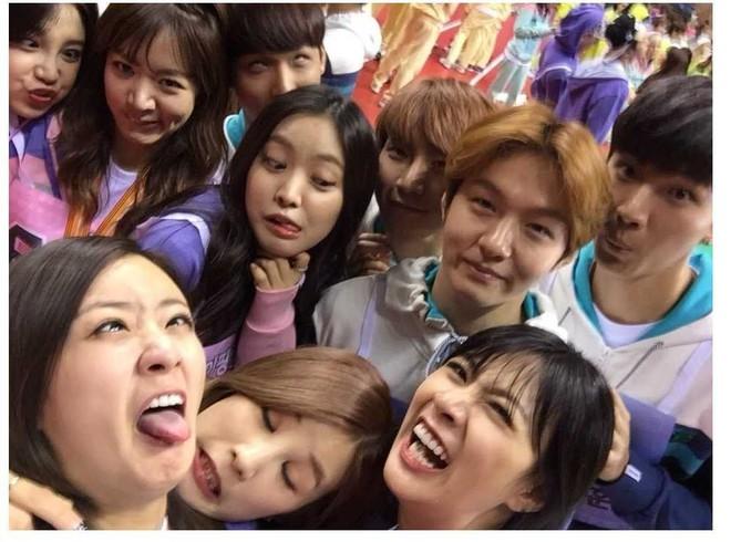 Các hội bạn thân sao Hàn khác giới đình đám showbiz: V (BTS) quen mỹ nhân hơn 17 tuổi, Heechul như thánh kết bạn - ảnh 16