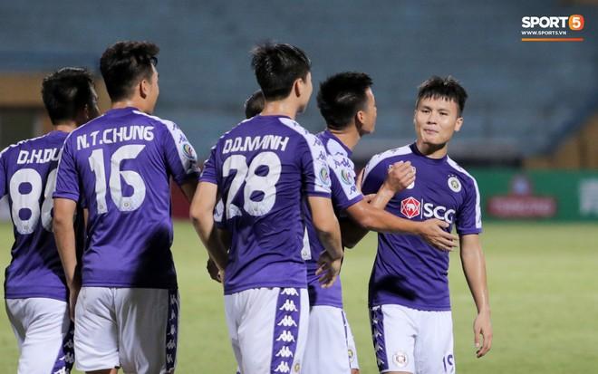 HLV Ceres Negros chỉ ra cầu thủ Hà Nội FC có thể thi đấu được châu Âu, không có Văn Hậu - Ảnh 1.