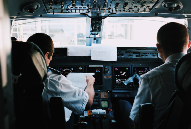 Sự thật về giờ bay đẹp nhất trong ngày được tiết lộ từ những tiếp viên hàng không, du khách nào cũng cần lưu ý! - ảnh 1