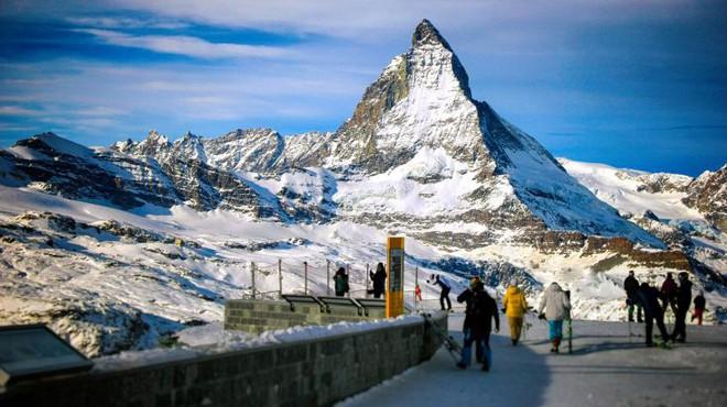 Nguy cơ biến mất những dãy núi phủ tuyết tại Thụy Sĩ do nắng nóng - ảnh 1