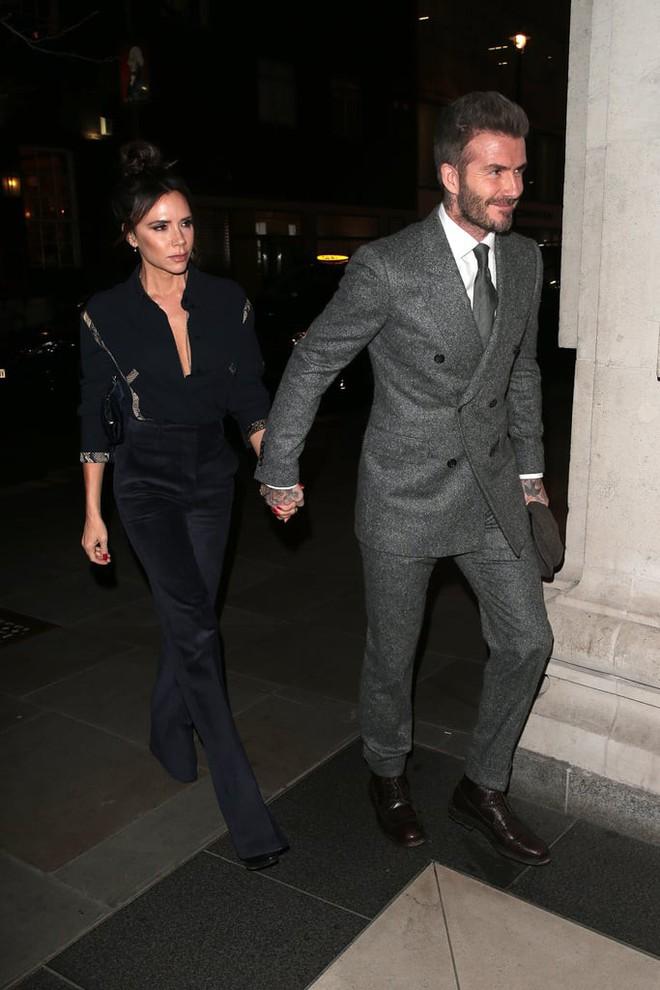 Mặc tin đồn ly dị đến vụng trộm, Beckham vẫn khiến cả thế giới ghen tỵ vì ưu ái vợ cử chỉ đặc biệt này suốt 20 năm - ảnh 7