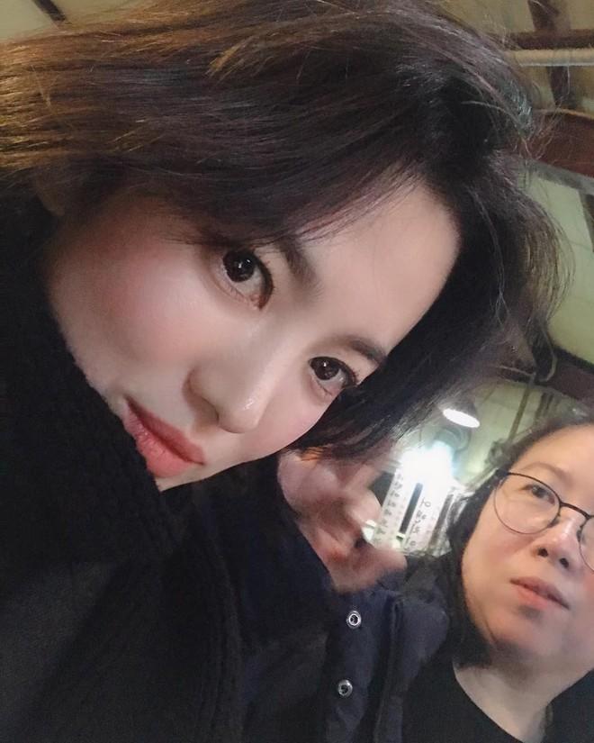 Nửa năm xa cách và loạt dấu hiệu báo trước việc ly hôn của Song Joong Ki và Song Hye Kyo - ảnh 3