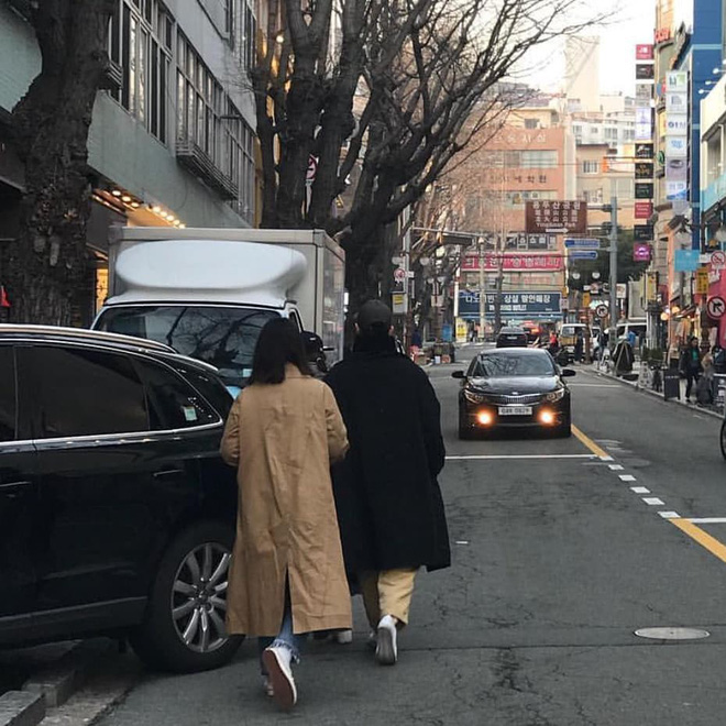 Song Joong Ki - Song Hye Kyo ly hôn rồi, dân tình sẽ không bao giờ được thấy họ mặc đồ ăn ý như thế này nữa - ảnh 12