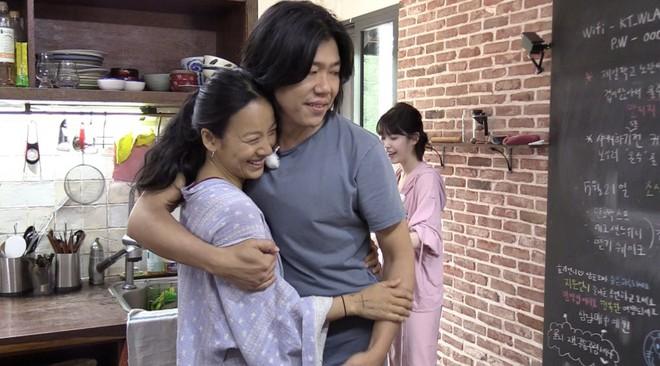 Đâu đó trong showbiz Hàn vẫn còn 3 cặp vợ chồng yêu nhau thắm thiết thế này! - ảnh 6