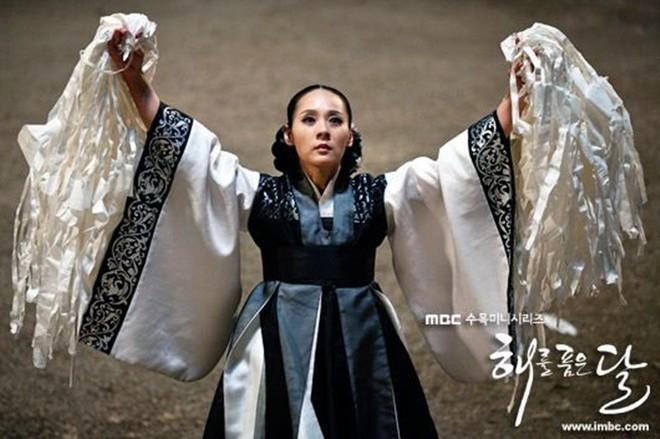 Vu sao Mặt trăng ôm mặt trời Jeon Mi Seon tự tử: Xác nhận bị trầm cảm dù có cuộc đời trong mơ bên chồng đạo diễn - ảnh 3