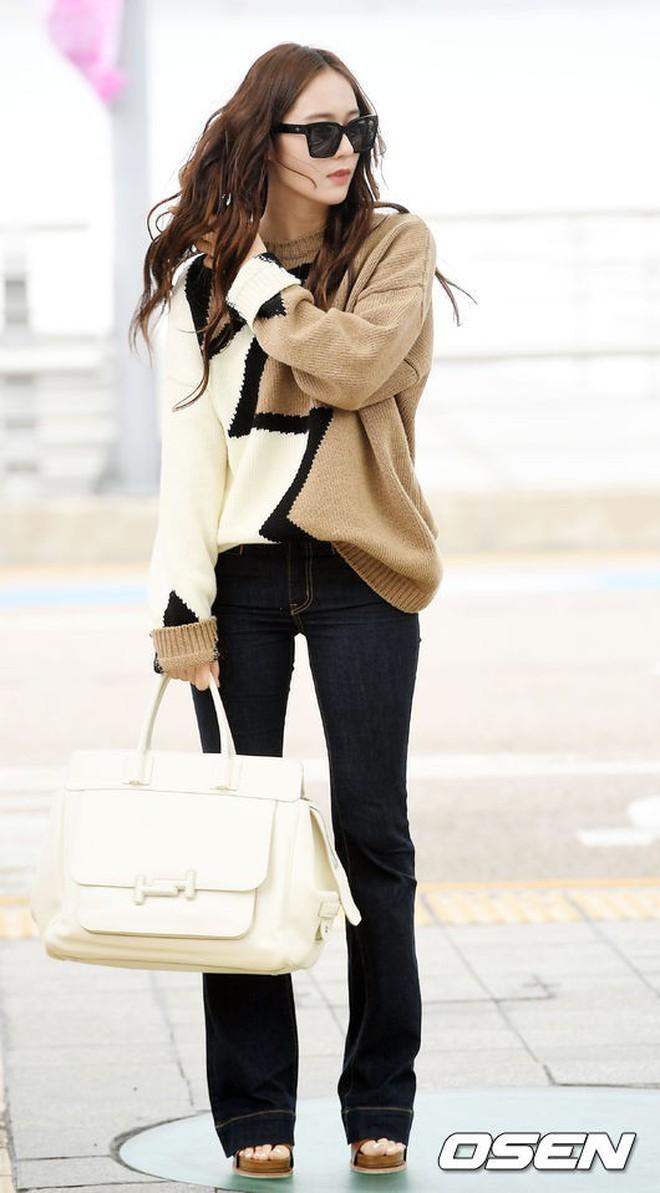 Qua thời đỉnh cao, cặp chị em Jessica – Krystal diện đồ hiệu nhưng có còn sang chảnh như xưa? - ảnh 11