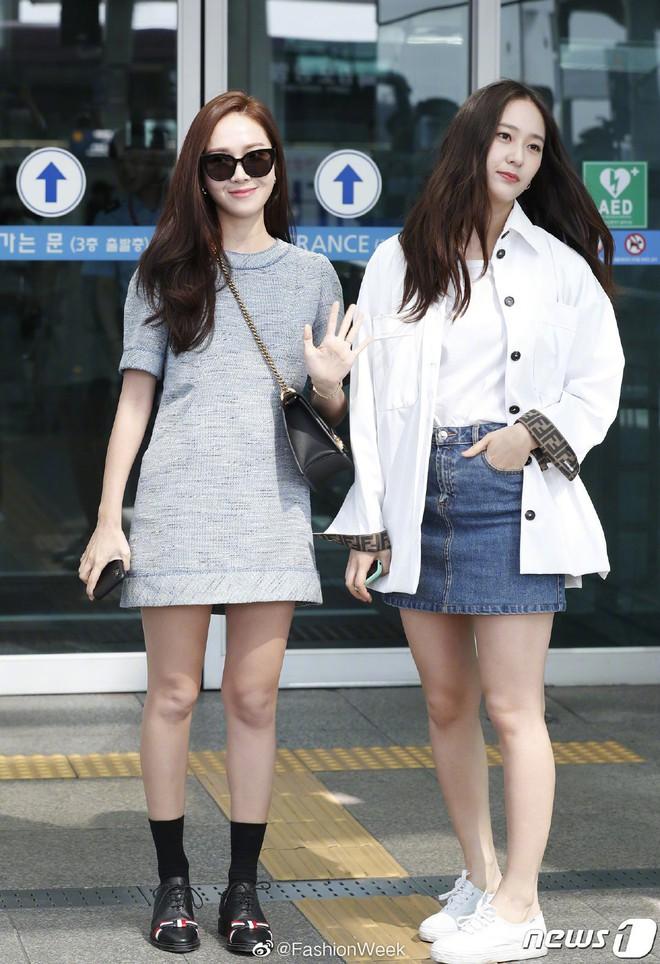 Qua thời đỉnh cao, cặp chị em Jessica – Krystal diện đồ hiệu nhưng có còn sang chảnh như xưa? - ảnh 1