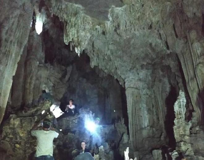 Phát hiện hang động thạch nhũ tuyệt đẹp, có hình thù kỳ lạ ở Quảng Trị - ảnh 9