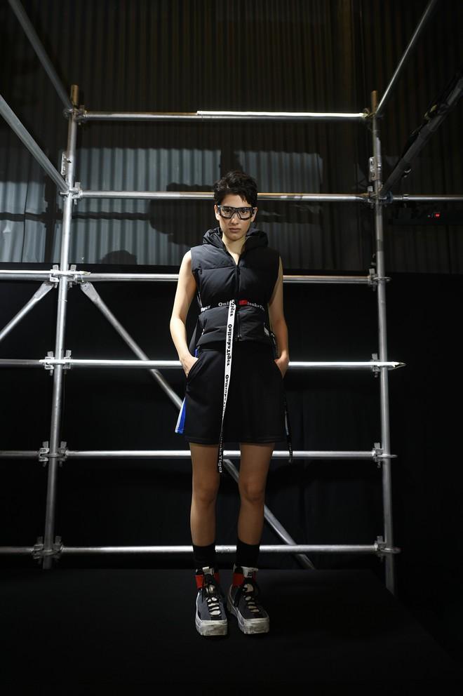 Bộ ba Hoàng Ku - Phí Phương Anh - Alex Fox xuất hiện cực chất trong buổi ra mắt BST mới của Onitsuka Tiger - ảnh 11