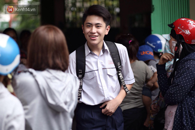 Đề thi Toán và Ngữ văn vào trường chuyên ở Hà Nội năm nay có mức độ khó như thế nào? - Ảnh 2.