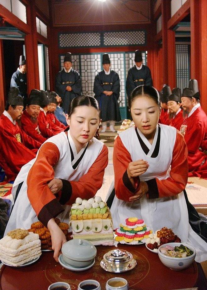 7 bom tấn cổ trang Hàn Quốc từng gây bão mà Arthdal Niên Sử Ký của Song Joong Ki không có cửa đọ lại - ảnh 3