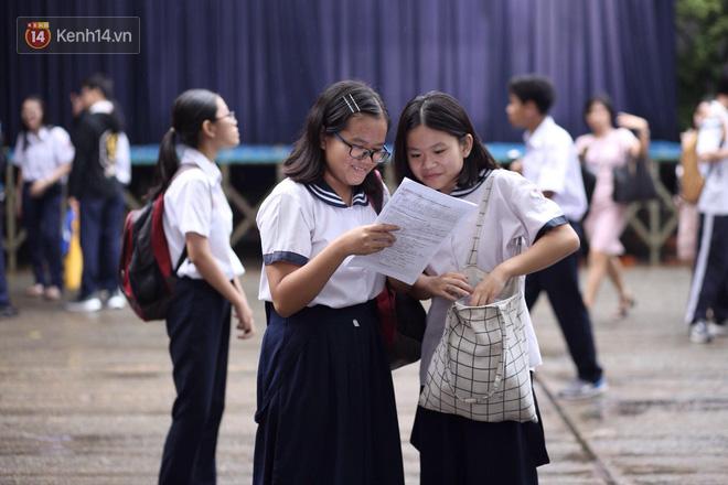 Chấm thi lớp 10 tại TP.HCM: Xuất hiện nhiều bài thi điểm 0 môn Toán, vắng điểm 10 - ảnh 1