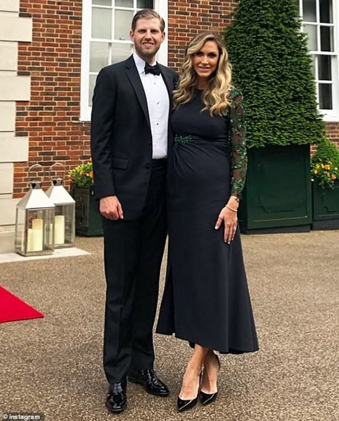 Con dâu Tổng thống Trump: Bụng bầu vượt mặt vẫn mặc đẹp bất chấp, thậm chí đứng cạnh Ivanka Trump cũng không bị lép vế - ảnh 3