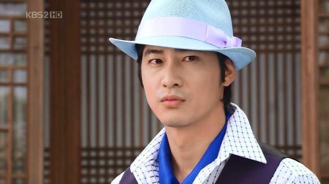 Nhìn lại nghiệp diễn của của tài tử bị tố hiếp dâm Kang Ji Hwan: Từ nam thần thanh xuân đến gã trai sắc lẹm đậm chất điện ảnh - Ảnh 3.