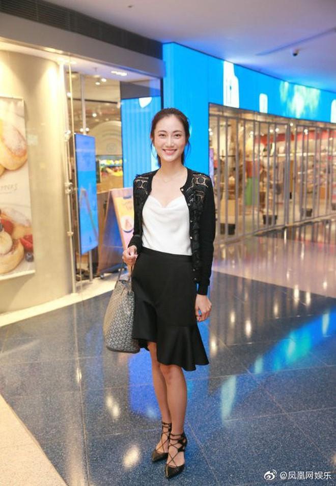 Top 15 Miss Hong Kong 2019: Nhan sắc đã chán đời mà style còn tệ hơn - ảnh 8
