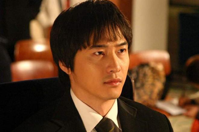 Nhìn lại nghiệp diễn của của tài tử bị tố hiếp dâm Kang Ji Hwan: Từ nam thần thanh xuân đến gã trai sắc lẹm đậm chất điện ảnh - Ảnh 6.