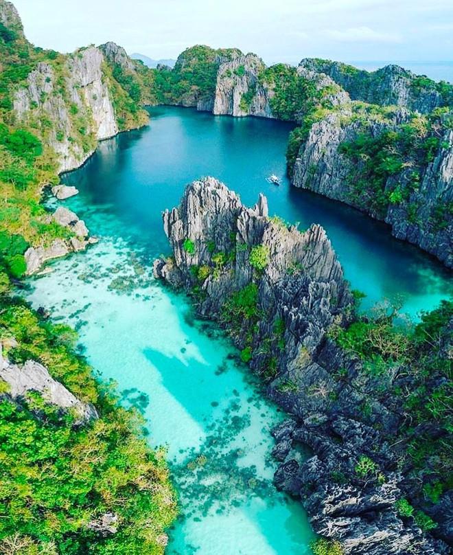 """Đã đến hòn đảo đẹp nhất Philippines là phải chơi """"tới bến"""" trò này như hội bạn thân vợ chồng Giang Ơi, Dino Vũ, Khánh Linh The Face - Ảnh 10."""