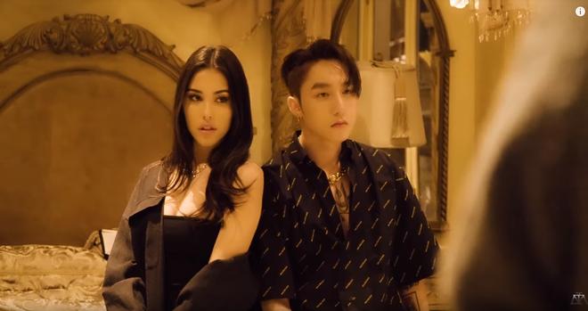 Hé lộ hậu trường của Hãy Trao Cho Anh: loạt khoảnh khắc tình tứ của Sơn Tùng và Madison Beer chưa bao giờ xuất hiện trên MV! - ảnh 3