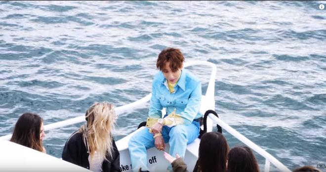Hé lộ hậu trường của Hãy Trao Cho Anh: loạt khoảnh khắc tình tứ của Sơn Tùng và Madison Beer chưa bao giờ xuất hiện trên MV! - ảnh 10