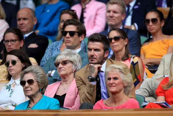 David Beckham - thần tượng của biết bao giới trẻ Việt Nam: Ở tuổi 44 vẫn đẹp trai lãng tử, khí chất ngút trời, làm sáng rực một góc khán đài Hoàng gia - Ảnh 7.