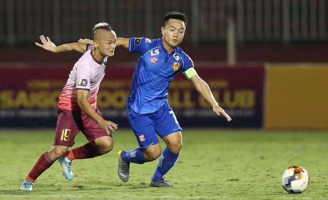 Siêu tiền đạo ghi bàn, CLB Quảng Nam đẩy HAGL xuống vị trí nguy hiểm ở V.League 2019 - ảnh 2