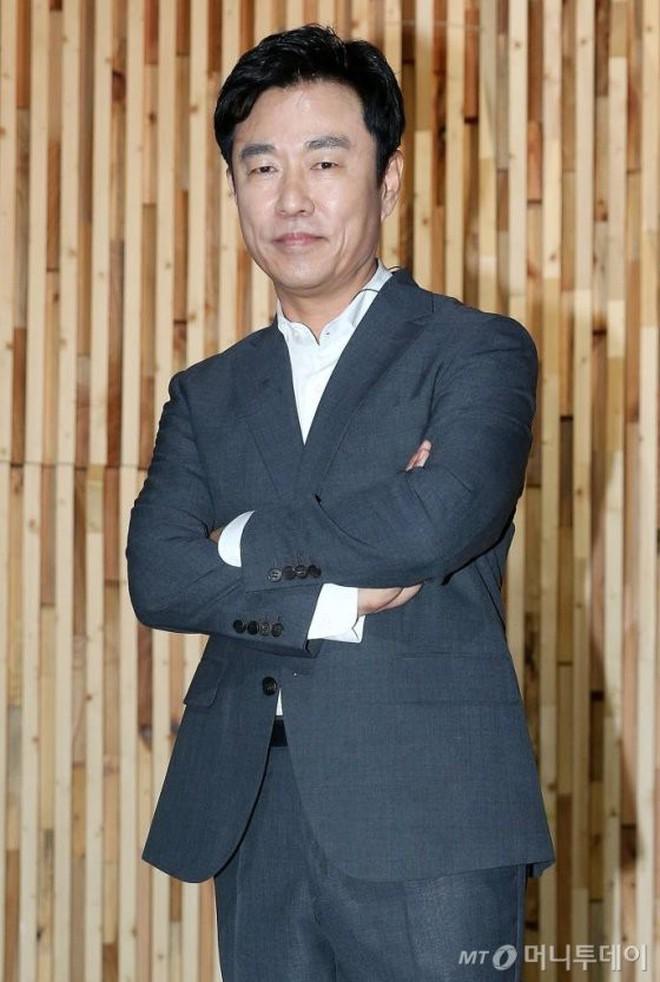 PD lên top tìm kiếm xứ Hàn vì xin lỗi cố diễn viên Mặt trăng ôm mặt trời sau 12 năm, vụ kiện ồn ào bỗng bị đào lại - ảnh 2