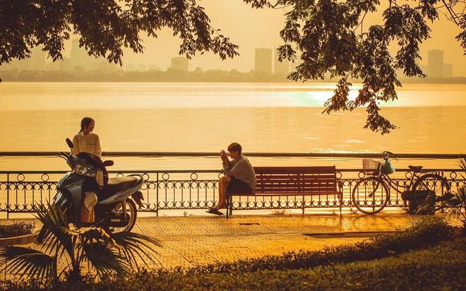 Định vị ngay tọa độ con hẻm nhìn ra hồ Tây cực thơ mộng làm giới trẻ Hà Nội đứng ngồi không yên mấy ngày nay  - Ảnh 3.