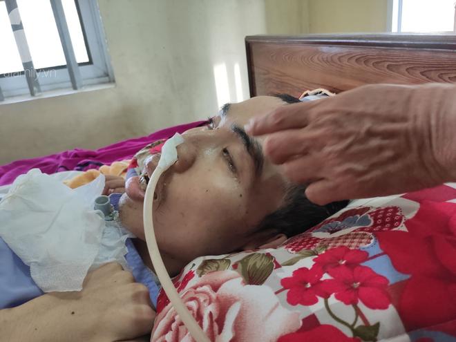 Con trai sắp lấy vợ bị tai nạn nằm một chỗ, người mẹ già ngã quỵ khi tiếp tục biết chồng ung thư mà không đủ tiền chữa - ảnh 4