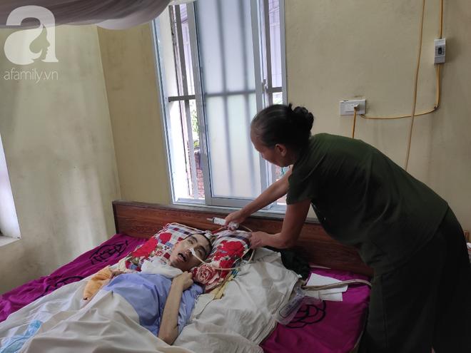 Con trai sắp lấy vợ bị tai nạn nằm một chỗ, người mẹ già ngã quỵ khi tiếp tục biết chồng ung thư mà không đủ tiền chữa - ảnh 7