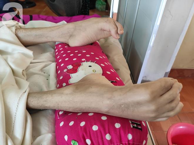Con trai sắp lấy vợ bị tai nạn nằm một chỗ, người mẹ già ngã quỵ khi tiếp tục biết chồng ung thư mà không đủ tiền chữa - ảnh 8
