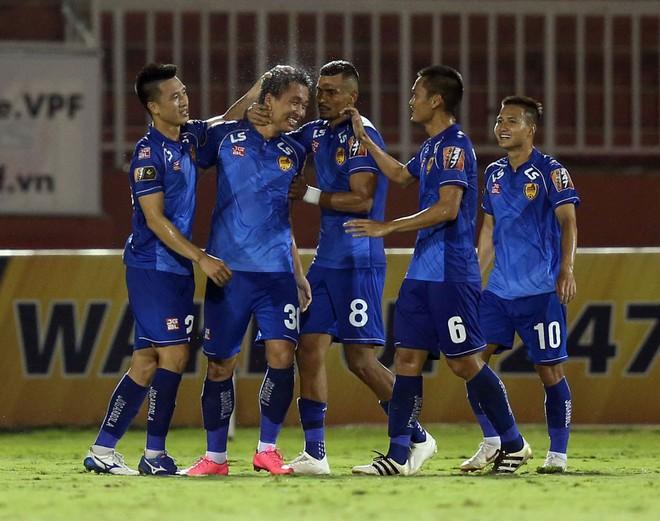 Siêu tiền đạo ghi bàn, CLB Quảng Nam đẩy HAGL xuống vị trí nguy hiểm ở V.League 2019 - ảnh 1