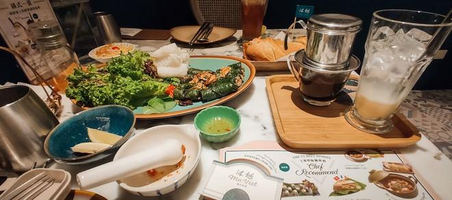Tinh hoa ẩm thực Việt hội tụ: gỏi cuốn, bánh mì, phở Việt, cà phê sữa đá... có đủ trên bản đồ ăn ngày 2 của Top 10 Here We Go 2019 - ảnh 45