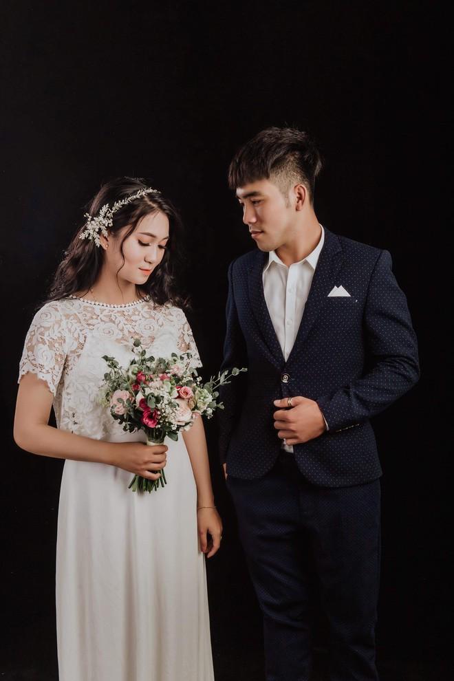 Tình yêu sét đánh phiên bản tả thực: Trú mưa sợ sét cô gái ôm chầm lấy người lạ, ngờ đâu 1 năm sau họ trở thành vợ chồng - ảnh 3
