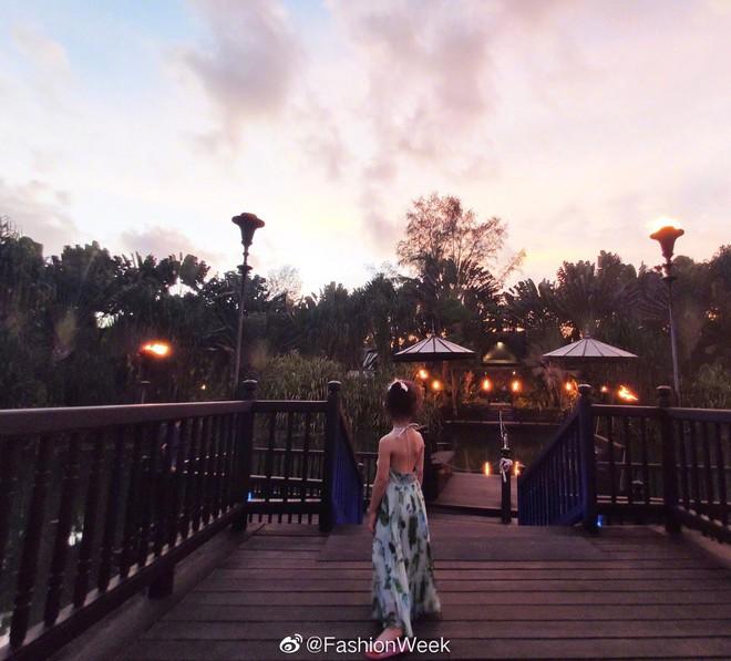 Cô con gái 3 tuổi của Hoa hậu Thế giới Trương Tử Lâm gây sốt: Chân dài miên man, tương lai nối nghiệp Hoa hậu của mẹ - ảnh 2