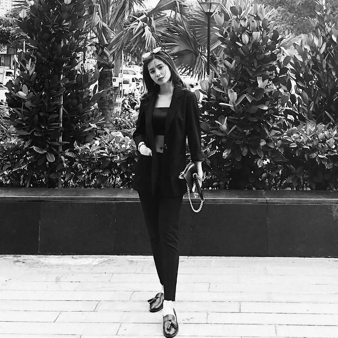 Nữ chính trong MV Sóng gió: Phong cách thời trang ngoài đời cực bánh bèo, tủ đồ hầu hết là váy - ảnh 19