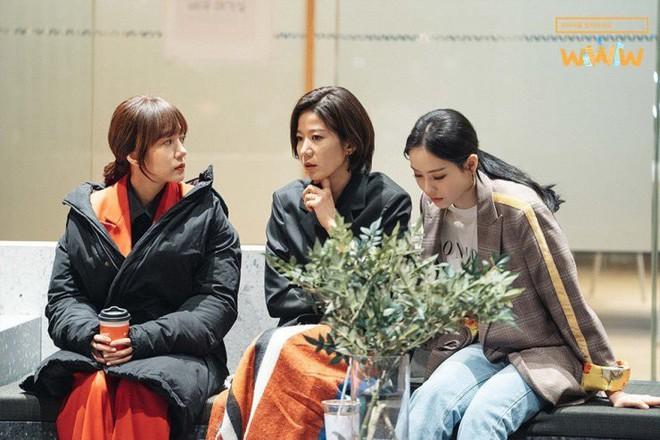 """6 ngành nghề """"hiếm có khó tìm"""" cho các mọt phim Hàn đang muốn bom việc: Số 4 nghe oai ra phết - Ảnh 2."""