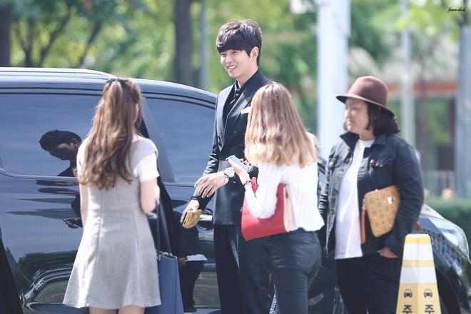 Giật mình các nam thần Hàn cao trên 1m9 đứng bên đồng nghiệp: Như người khổng lồ, Lee Kwang Soo chưa là gì so với số 5 - ảnh 21