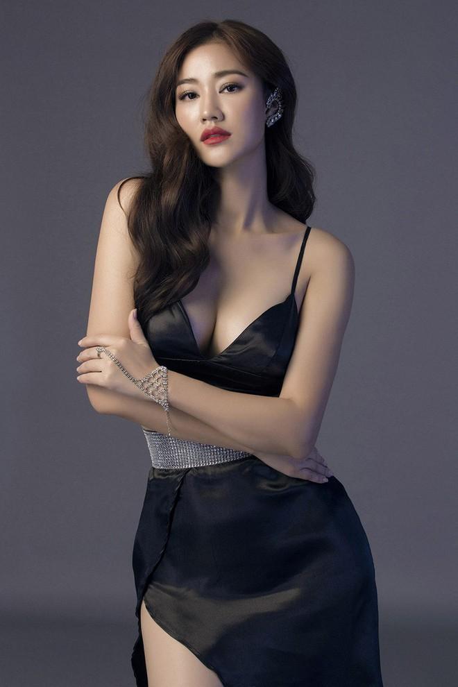 Loạt minh chứng cho thấy sau nâng ngực, các người đẹp Việt mới thật sự lột xác đẹp mê mẩn - ảnh 11