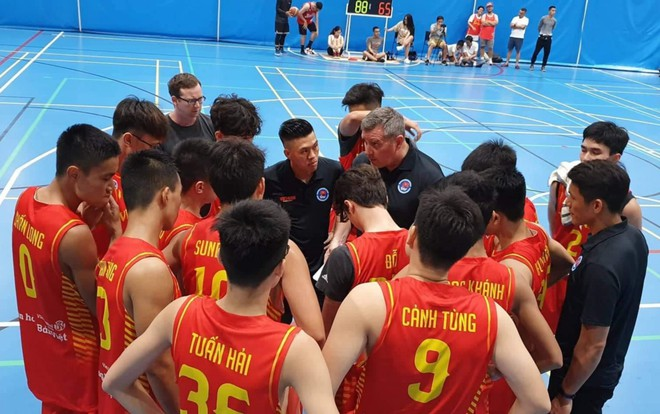 Điểm danh 12 gương mặt xuất sắc nhất của tuyển bóng rổ nam U18 Việt Nam tại ASEAN Schools Games 2019 - ảnh 2