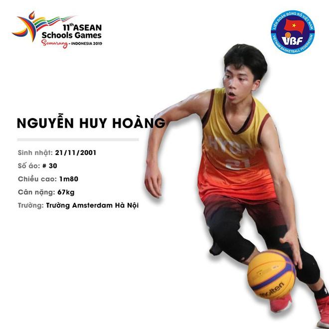 Điểm danh 12 gương mặt xuất sắc nhất của tuyển bóng rổ nam U18 Việt Nam tại ASEAN Schools Games 2019 - ảnh 11