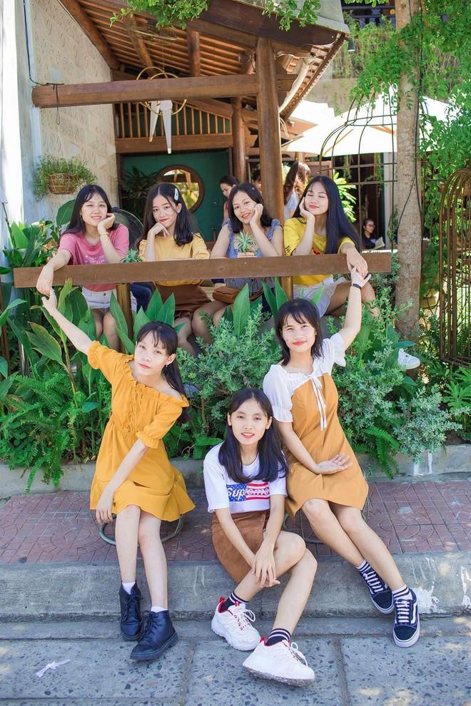 Vượt qua nỗi đau mẹ mất đột ngột, nữ sinh Quảng Nam đạt điểm Văn cao nhất nước trong kỳ thi THPT Quốc gia 2019 - ảnh 13