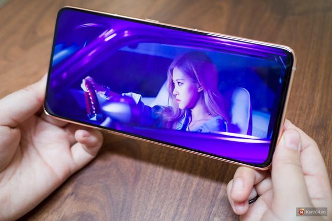 Trên tay Samsung Galaxy A80: Chiếc điện thoại hứa hẹn làm chao đảo cộng đồng livestream trong năm nay - Ảnh 5.