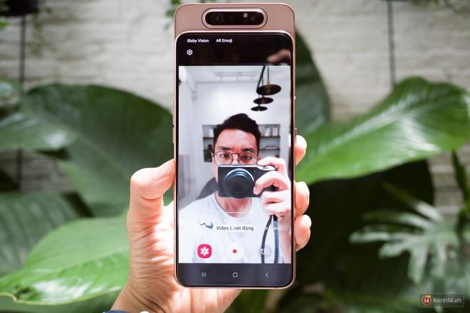 Trên tay Samsung Galaxy A80: Chiếc điện thoại hứa hẹn làm chao đảo cộng đồng livestream trong năm nay - Ảnh 4.