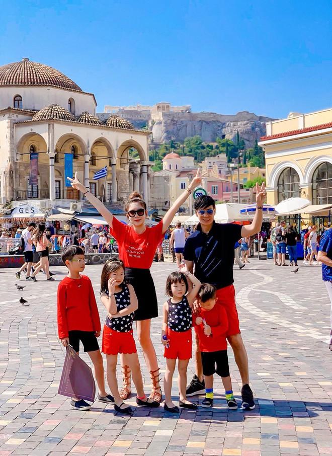 """Kỳ nghỉ hè xa hoa của các nhóc tỳ nhà sao Việt: Du lịch nước ngoài sang chảnh, khám phá đủ mọi trò chơi đúng chuẩn """"rich kid"""" - Ảnh 5."""