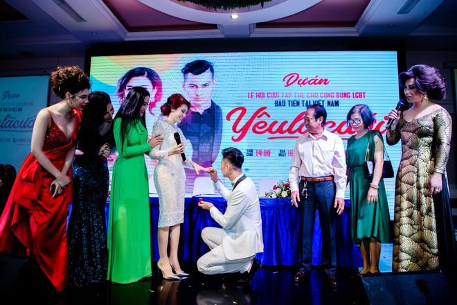 Lâm Khánh Chi mạnh tay chi hơn 2 tỷ đồng, tổ chức đám cưới tập thể cho 10 cặp đôi LGBT - ảnh 2