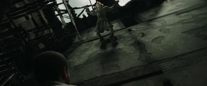 IT 2 tung trailer sợ khiếp vía: Gã hề biến thái Pennywise không chỉ đối đầu nhóm Loser mà ám cả thị trấn! - ảnh 12
