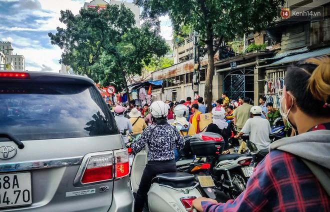 Đại diện Go-Viet lên tiếng khi hàng trăm tài xế ở Sài Gòn tắt app, tập trung đình công phản đối chính sách mới - ảnh 8