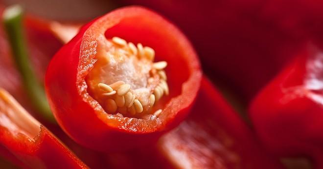 Nếu bạn thuộc một trong những trường hợp sau, tuyệt đối đừng ăn ớt kẻo gây hại sức khỏe - ảnh 1