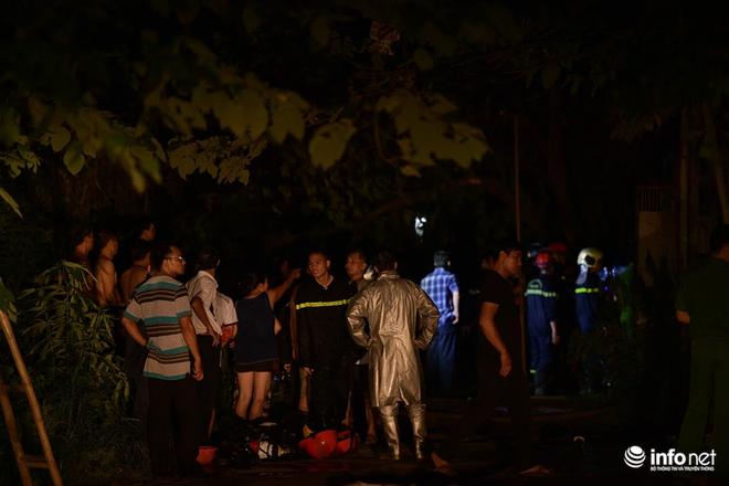 Hà Nội: Cháy xưởng nhựa trên phố Tân Mai, hai người may mắn chạy thoát - ảnh 3
