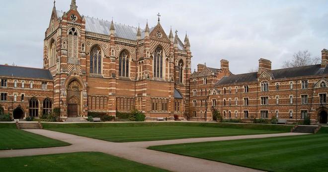 Top 10 trường Đại học danh tiếng nhất thế giới: ĐH Oxford tiếp tục dẫn đầu, ĐH Harvard trung thành với vị trí thứ 6 - ảnh 1